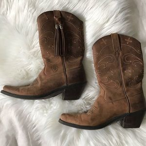 ARIAT // Tassel + Embroidered Boots Size 6.5